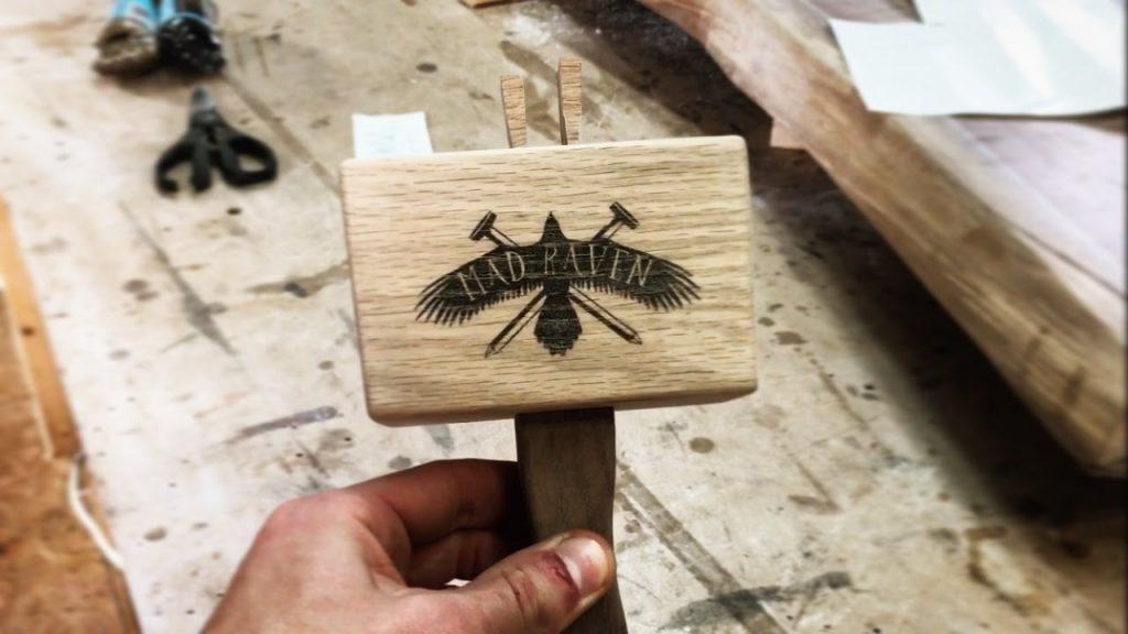 zdjecie na drewnie